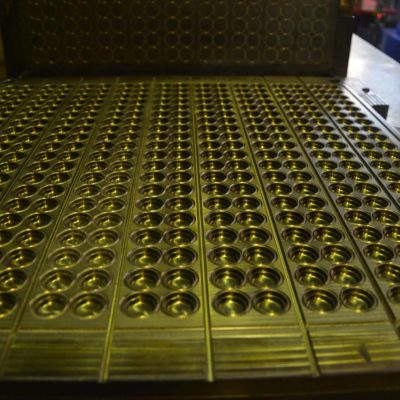 Пресс форма для изготовления перепускных клапанов