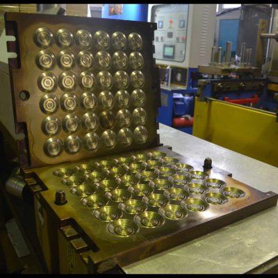 Пресс форма для изготовления резиновых клапанов